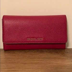 Michael Kors Leather trifold Wallet